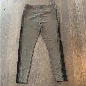 EUC Vogo Athletica Yoga Pants/Leggings, Size Large